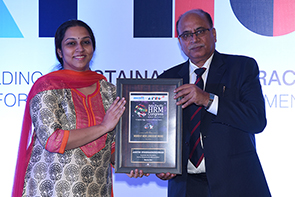 Beroe's Aarthi Sivaramakrishnan wins Women at Work Leadership Award at Asia Pacific HRM Congress 2015